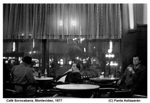 En el café Sorocabana de la Plaza Libertad