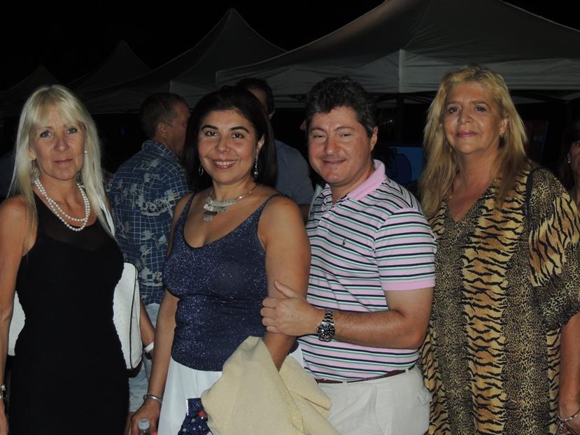 Artista plástica Claudia Bartolota, Cónsul argentino para Maldonado y Rocha Andrés Basbus y su Sra. esposa y Dra. Lucía Inés Bagnasco en Grand Hotel