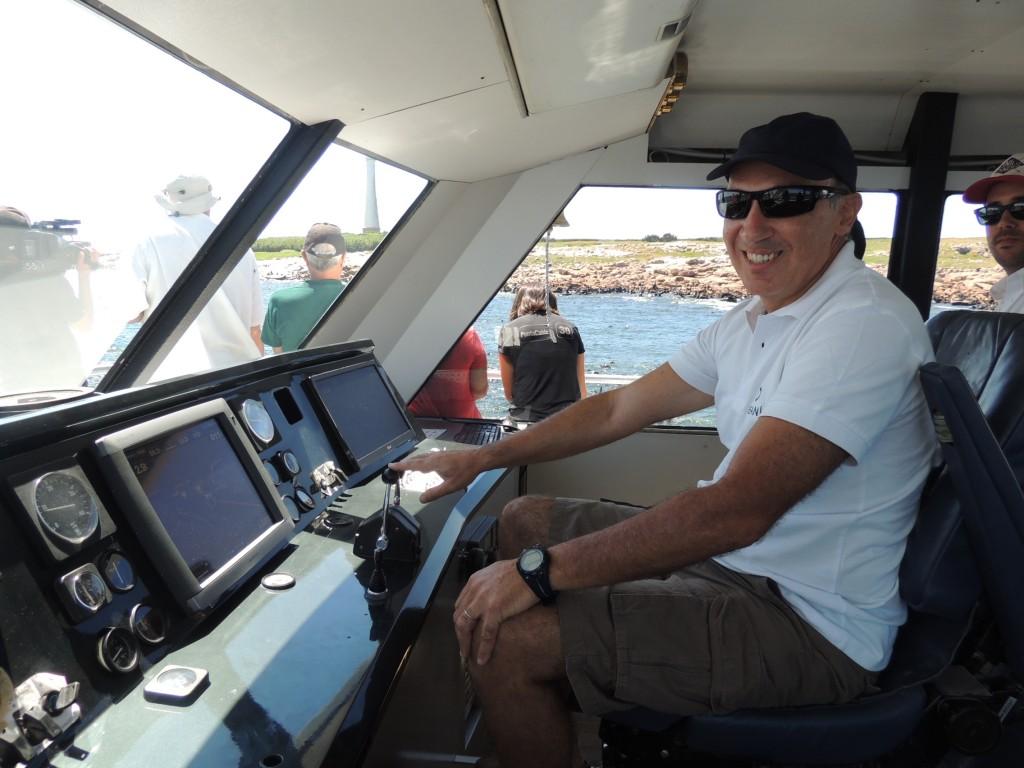El Capitán del Oceanía que fuera aplaudido al culminar la travesía