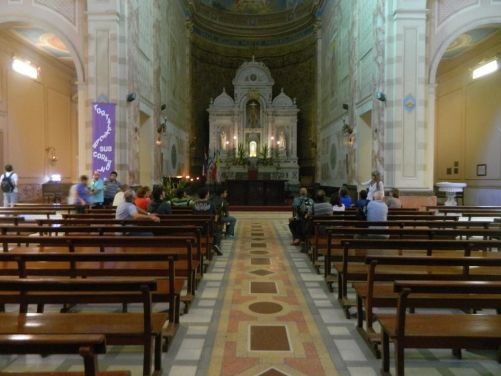 En la Catedral de Florida ante la Virgen de los Treinta y Tres